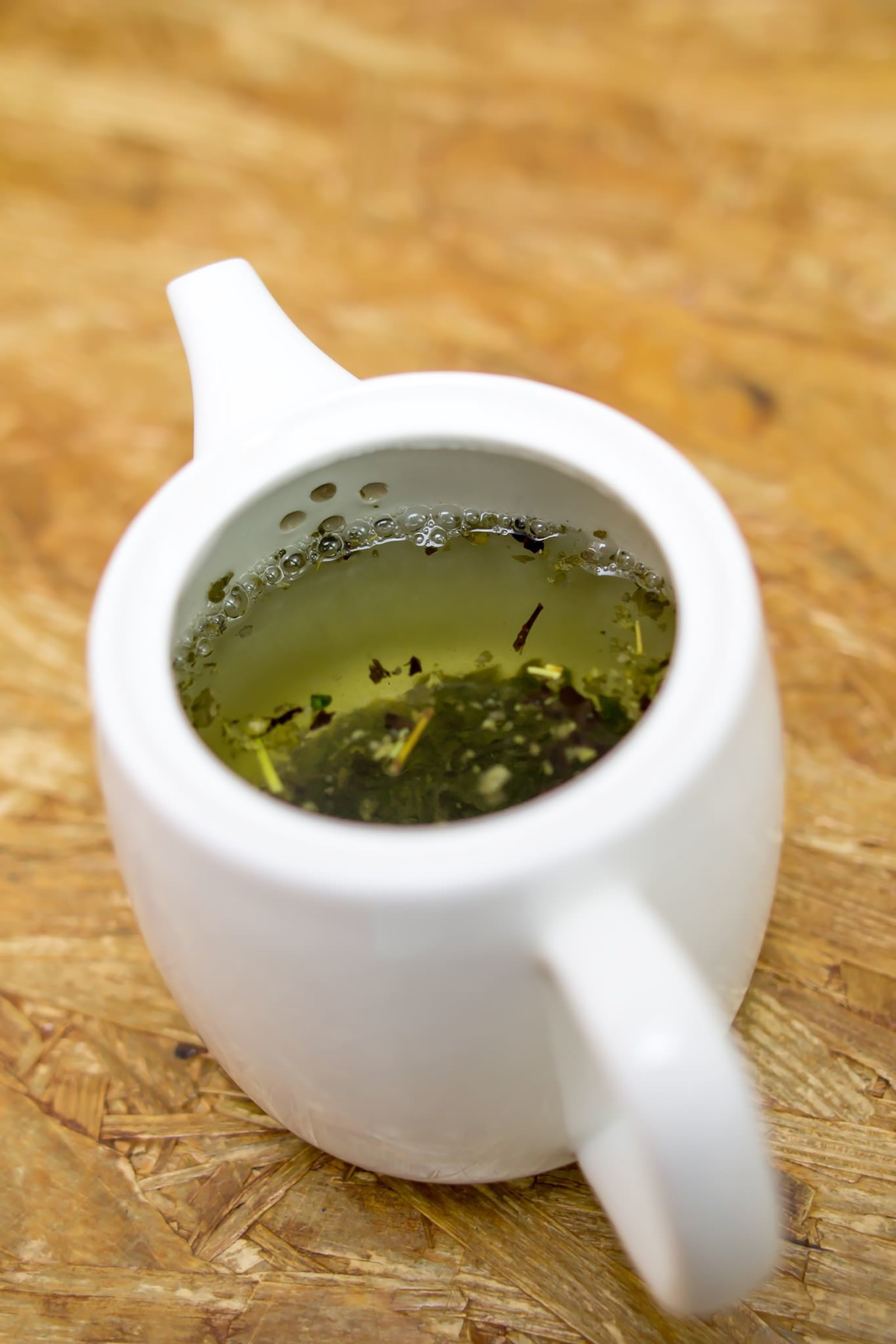 脇汗の発汗とお茶には影響がある?ハーブティーが効き目あり。